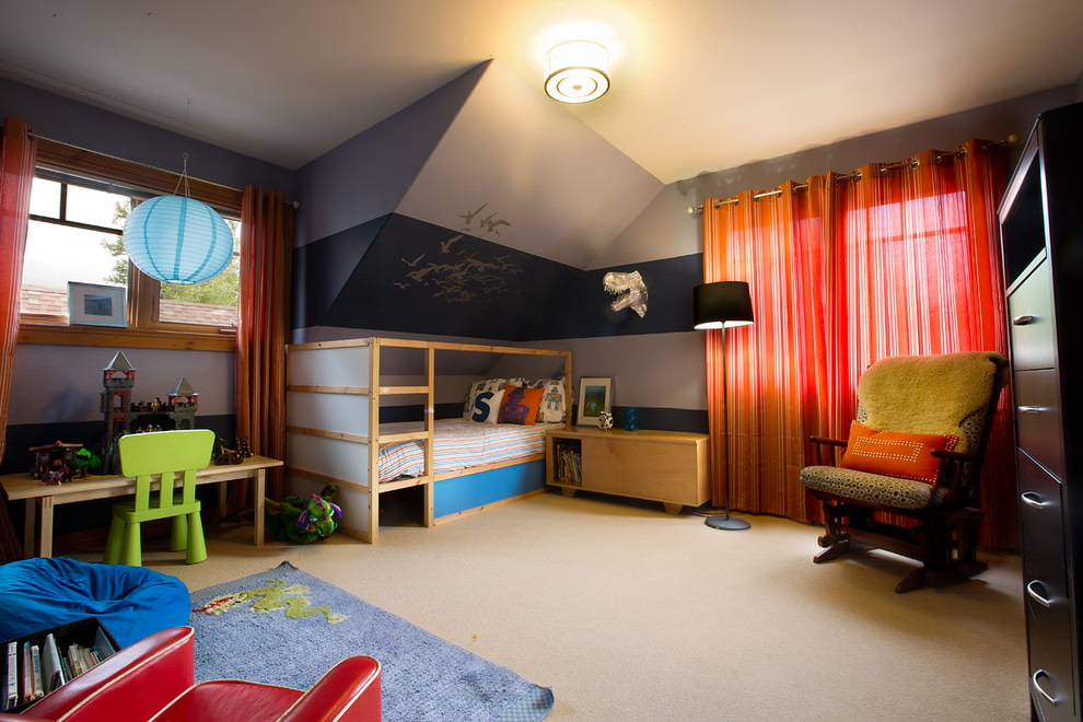 Красный тюль в интерьере детской комнаты