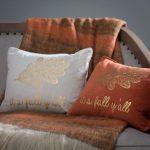 Уютные декоративные подушки с надписями