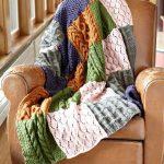 Уютный плед из разноцветных свитеров