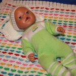 Детский комплект подушечка и плед с сердечками