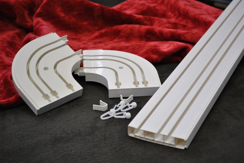 Пластиковые элементы потолочного карниза