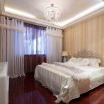 Красивые шторы на кольцах в комплекте к покрывалу на кровать