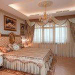 Ламбрекены в спальне классического стиля