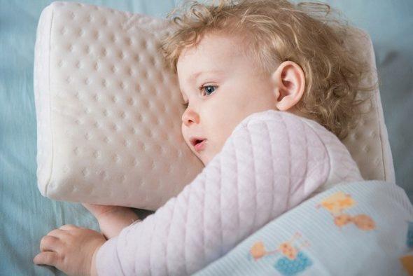 Маленькая детская подушка