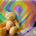 """Очень яркий и красивый детский плед-одеяло """"10 петель"""""""