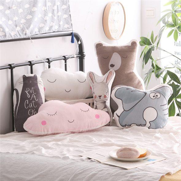 Оригинальные подушки для детской