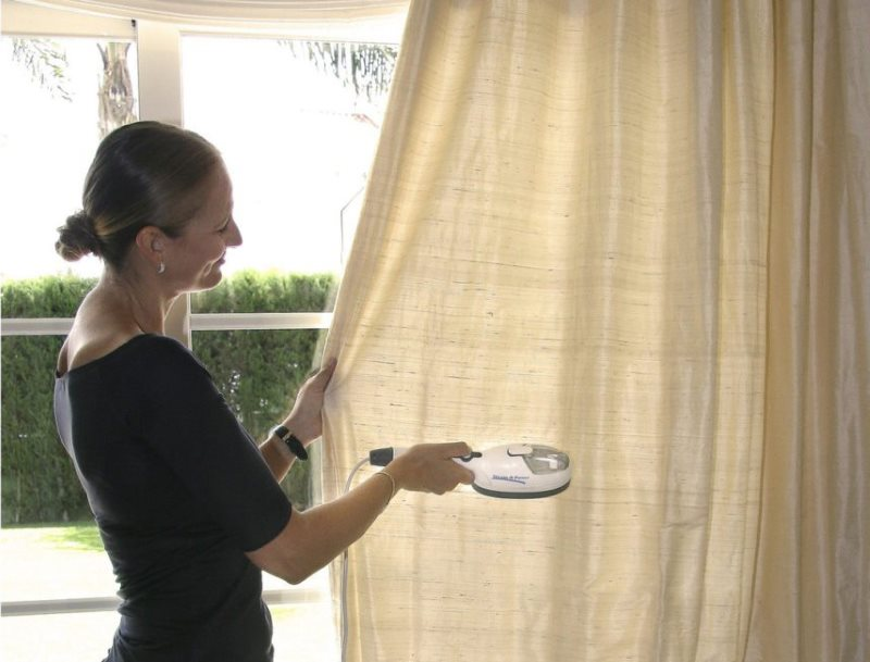 Глажка шторы на весу бытовым отпаривателем