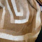 Плед 10 петель из буклирвоанной пряжи