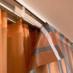 Полосатые шторы на липучках с крючками