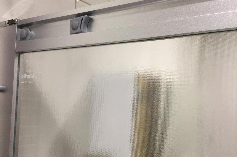 Алюминиевый профиль стеклянной шторки для ванной