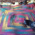 """Разноцветный плед на кровать спицами в технике """"10 петель"""""""
