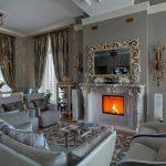 Шторы для классической гостиной с камином