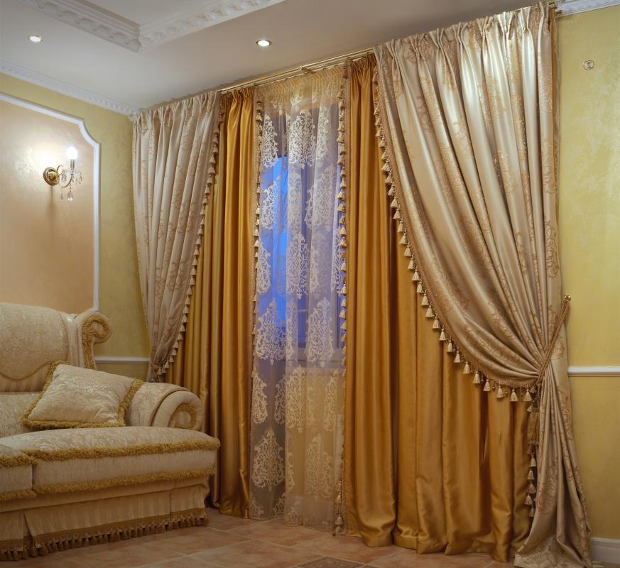 Декорирование бахромой классических штор