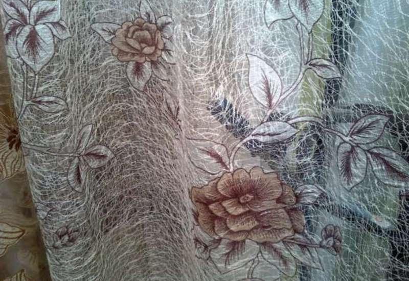 Тюль-паутинка с цветами и листиками