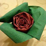 розы из бумажных салфеток идеи оформления