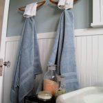 вешалка для полотенец в ванной интерьер