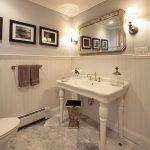 вешалка для полотенец в ванной интерьер фото