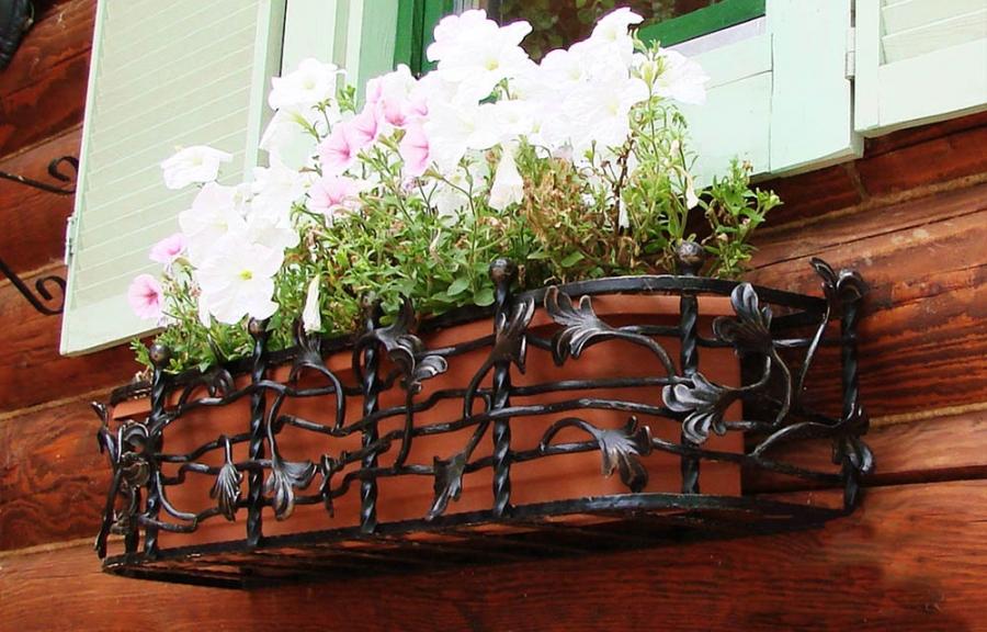 балкончики для цветов на окне