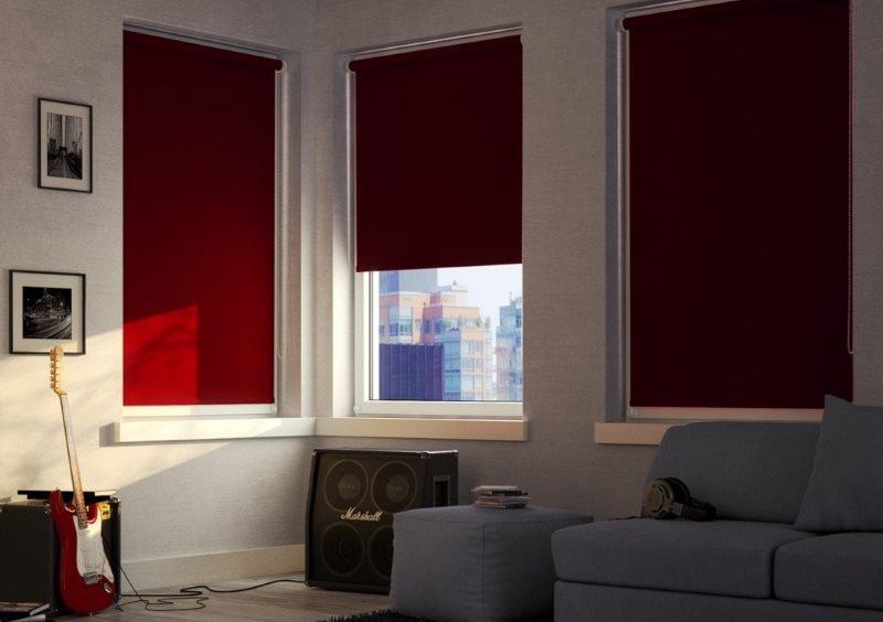 Пример затенения комнаты с помощью рулонных штор