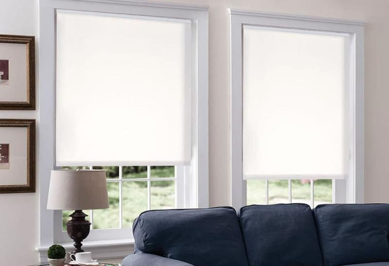 Белые рулонные шторы с низким содержанием натурального материала