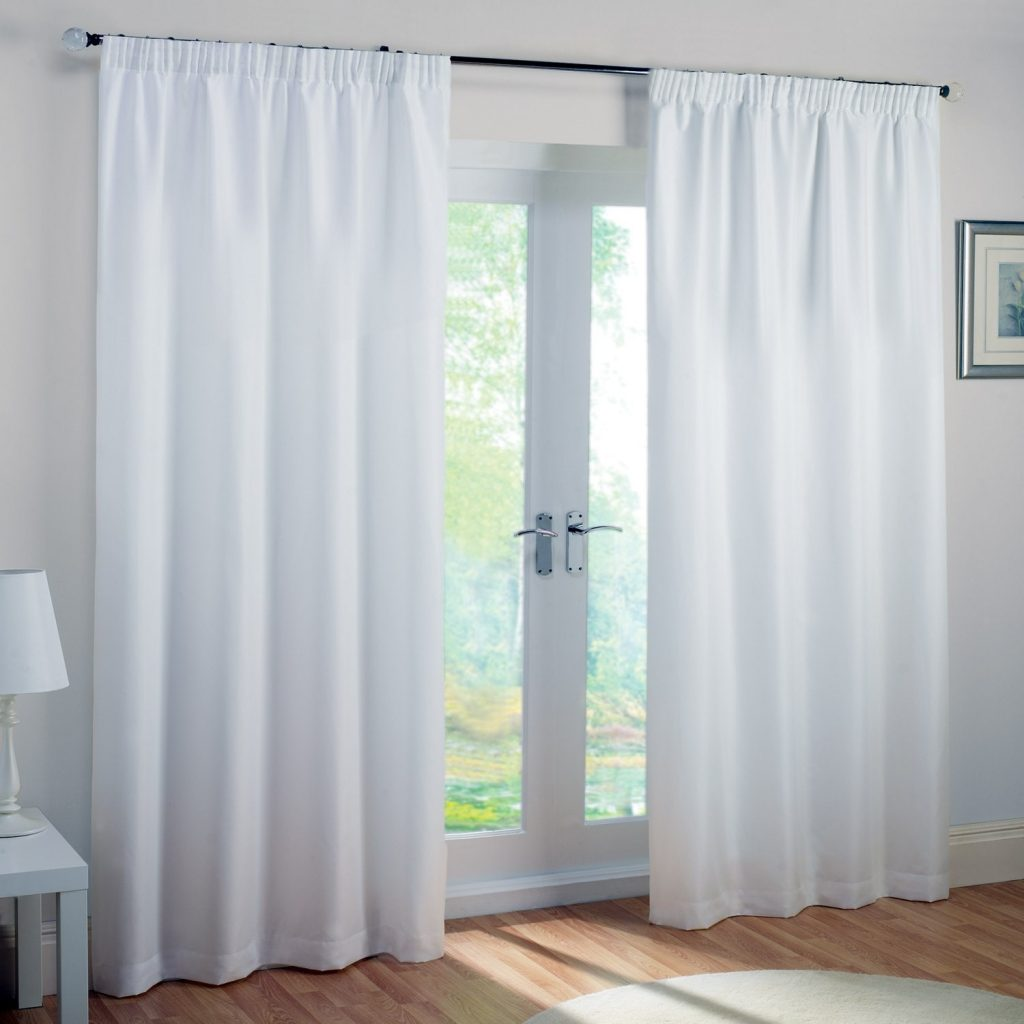 белые шторы блэкаут