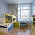 Корпусная мебель в комнате мальчика