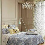 Пестрый текстиль в интерьере спальни