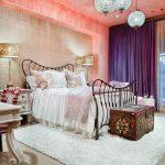 Ночные шторы в современной спальне