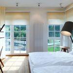 Кремовые шторы в белой спальне