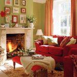Уютная гостиная с настоящим камином