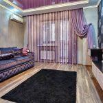 Сиреневые занавески в дизайне зала