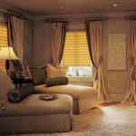 Атласные шторы коричневой расцветки