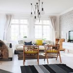 светлая гостиная с элементами скандинавского стиля