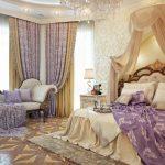 Сиреневый текстиль в интерьере спальной комнаты