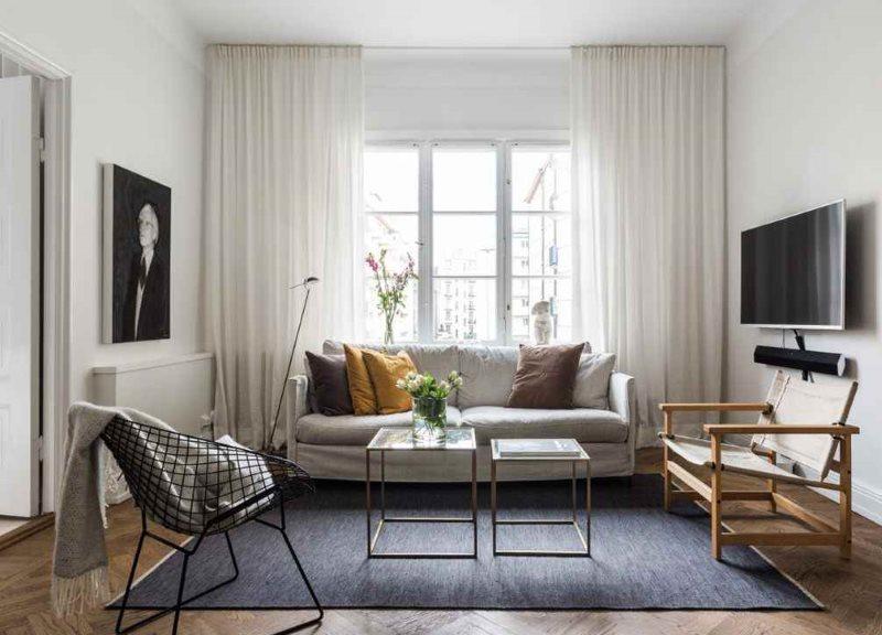 Оформление окна гардинами в скандинавском стиле
