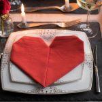 как сложить салфетки для оригинальной сервировки стола декор фото
