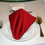 как сложить салфетки для оригинальной сервировки стола оформление фото