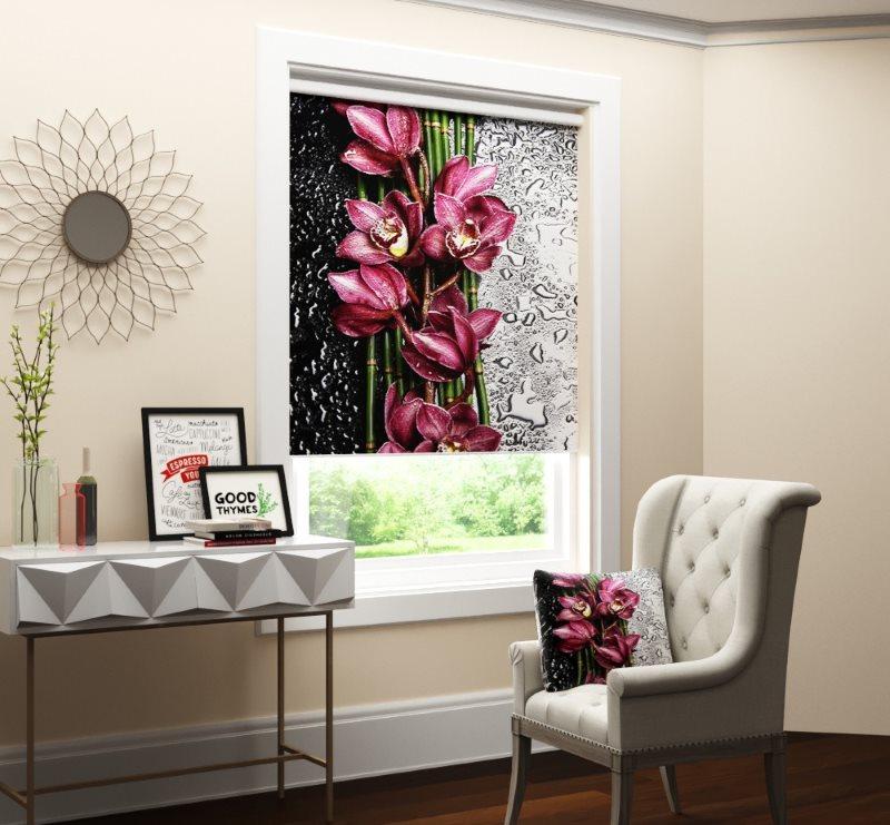 Рулонная штора с фотопечатью внутри оконного проема