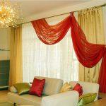 Красный ламбрекен-волна Эффектно смотрится в интерьере с обычными шторами и тюлем