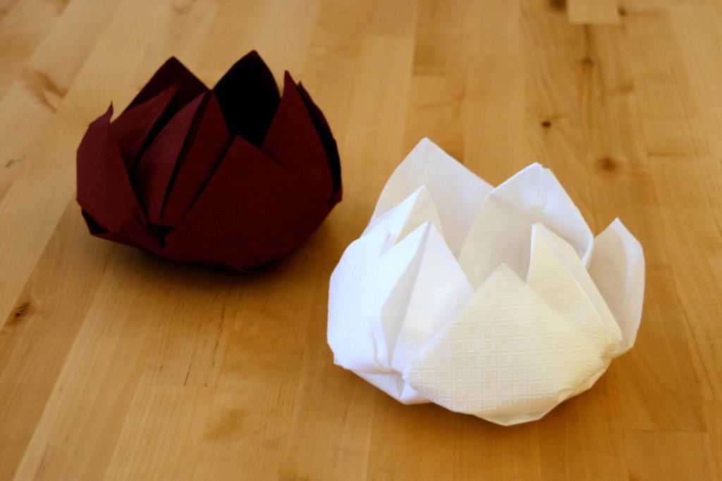 оформление стола оригами салфетками