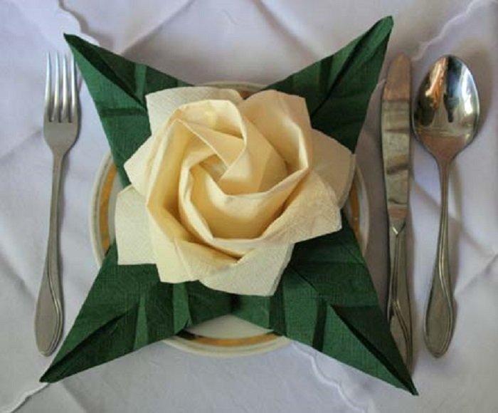 оригами из салфеток розы
