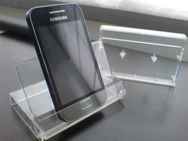 подставка для телефона из футляра для кассеты