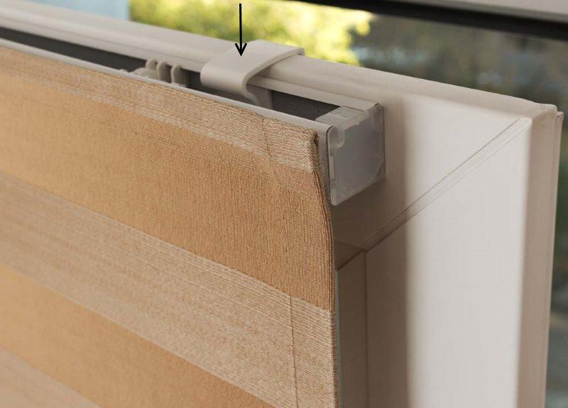 Монтаж римской шторы на подвижной створке окна без сверления