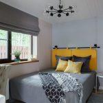 Подвесные подушки над изголовьем кровати