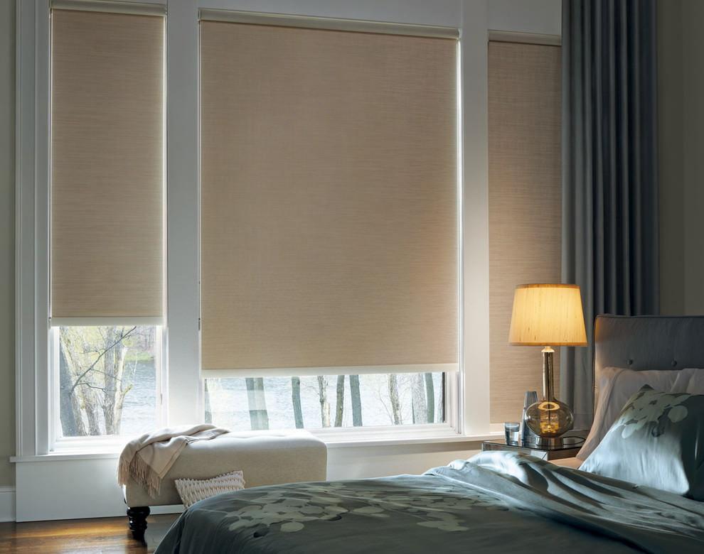 Рулонные шторы в спальной комнате