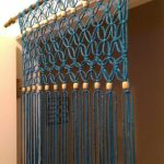 Декор дверного проема самодельной занавеской