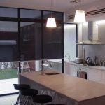 Светозащитные шторы рулонной конструкции