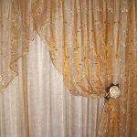 шторы из вуали золотистые