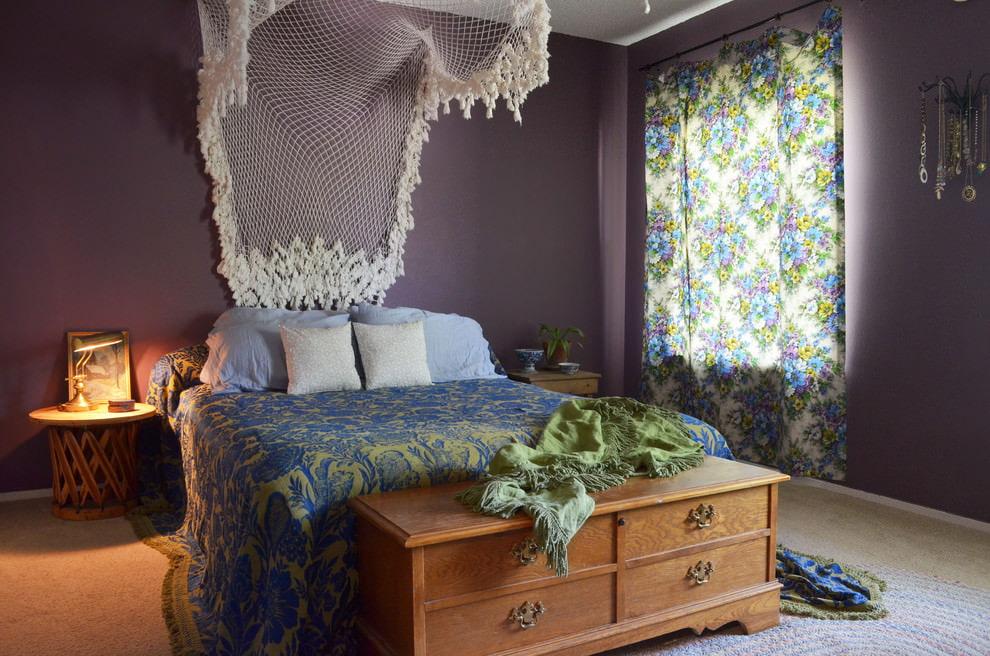 Шторы с цветочками в спальне стиля бохо