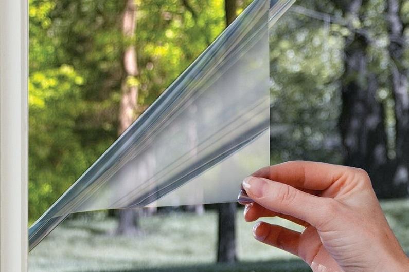 светонепроницаемая пленка на окна идеи фото